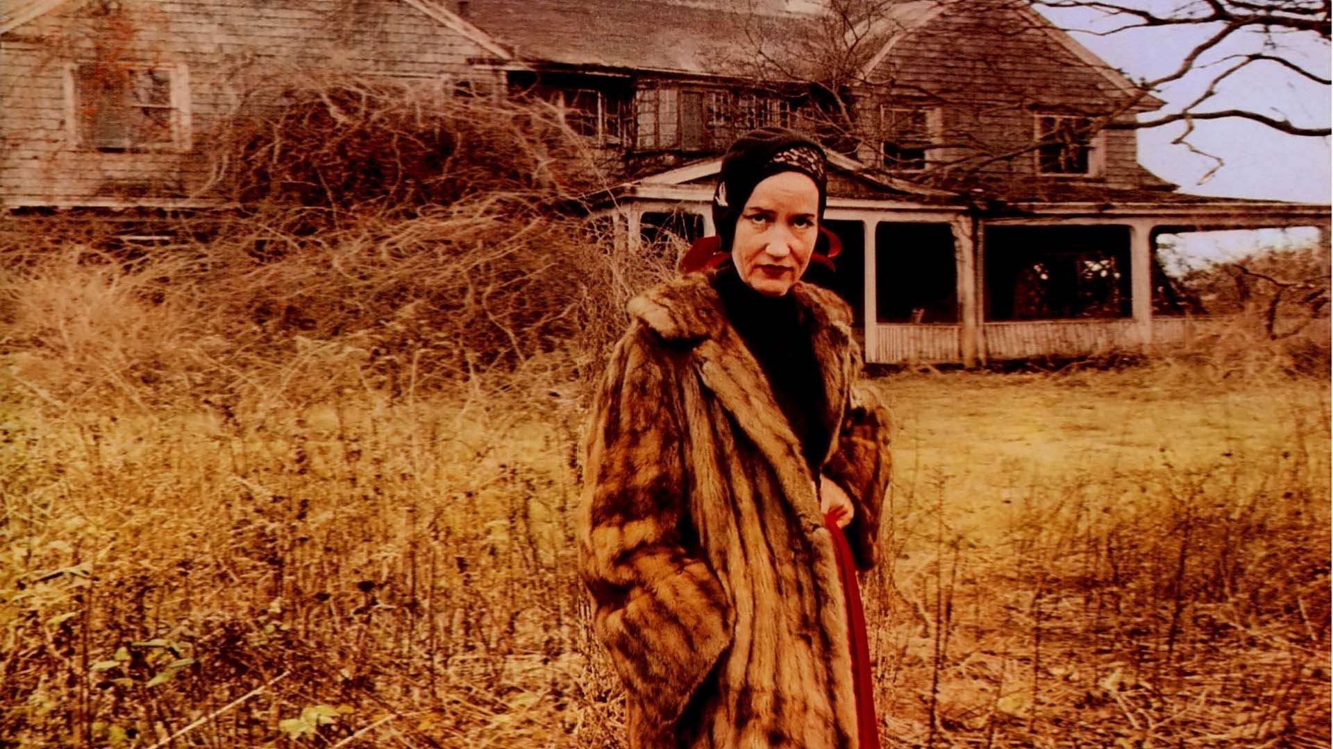 Little Edie outside of the Grey Gardens masion